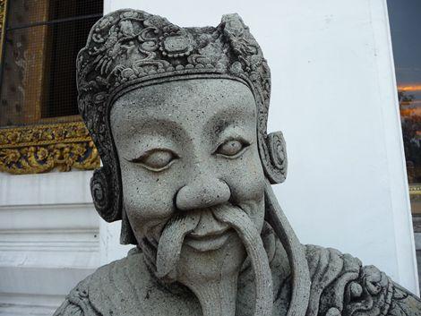 Bangkok temple statue