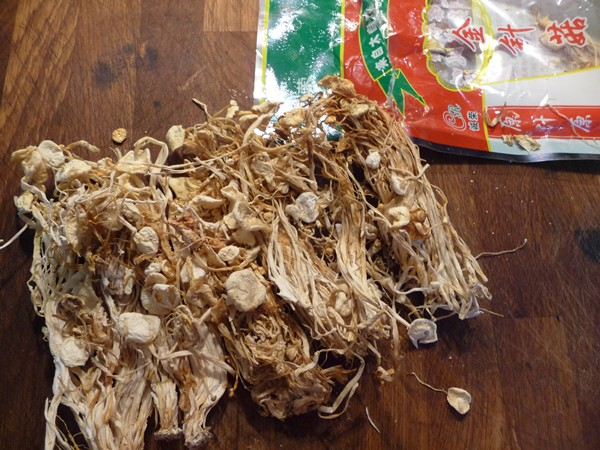 Dried enoki mushrooms