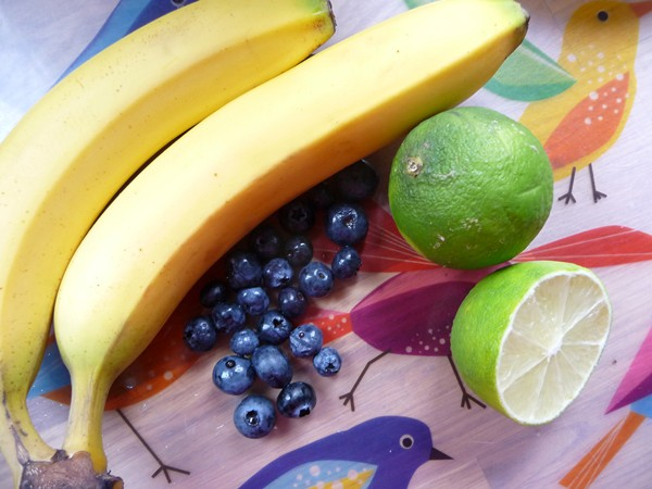 Banana, blackberries and lime