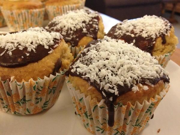 Vanilla coconut choc cupcakes