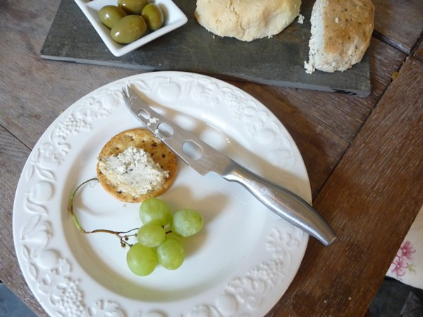 Vegan cheese and crackers