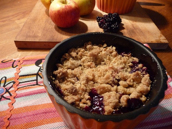 Autumn Blackberry & Apple Ginger Crumbles