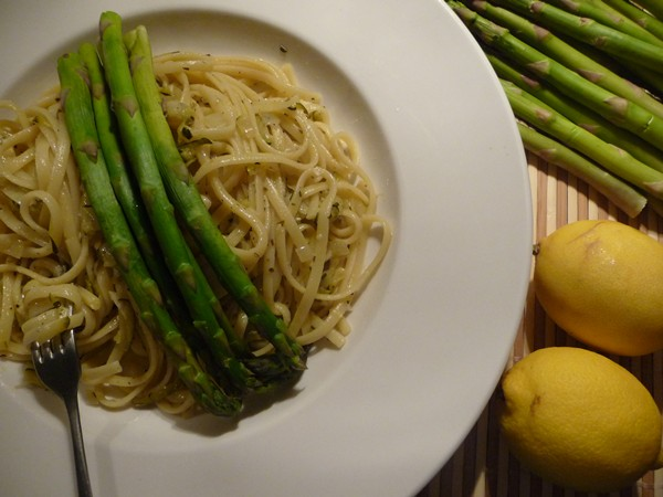 Lemon Zucchini Linguine with Tarragon & Asparagus