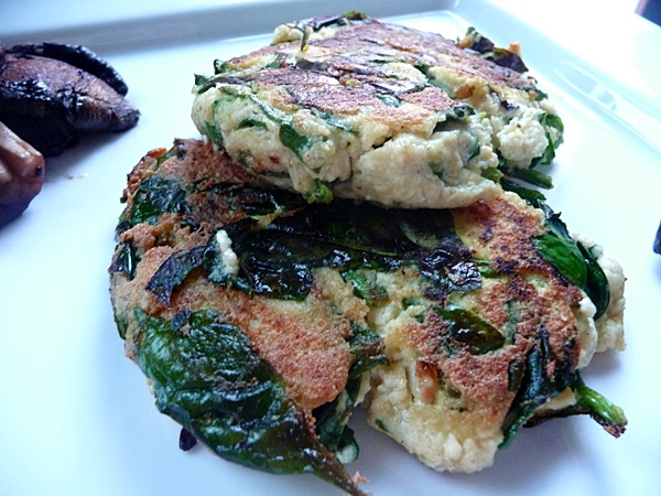 Tasty spinach & tofu vegan fritters!