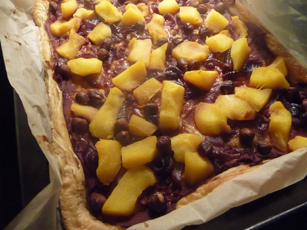 Roasted pumpkin & caramelised red onion puff pastry pizza