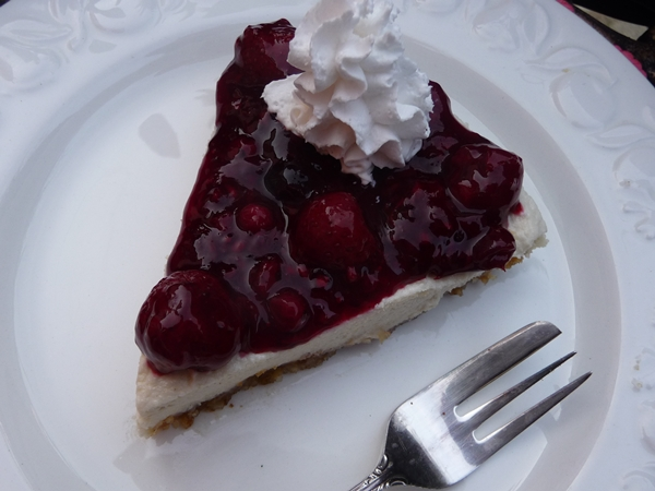 Very Berry No Bake Vegan Cheesecake
