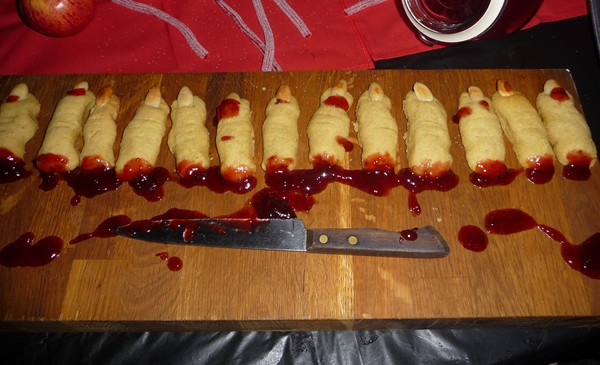 hosting a vegan vampire halloween party ideas for food decor - Vampire Halloween Decorations