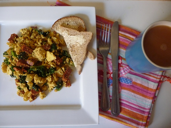 Spinach, Kale & Vegan Chorizo Breakfast Scramble