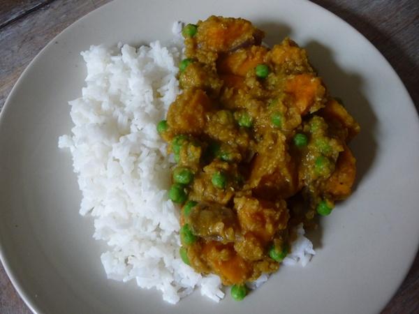 Lentil, sweet potato & pea curry